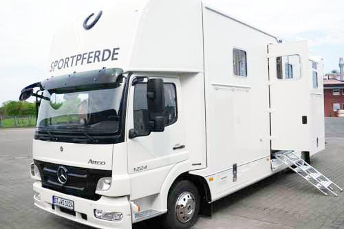Pferdetransporter für 4 Pferde + Wohnkabine