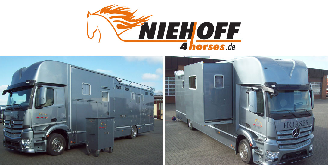 Horse transporter for 6 horses with saddle chamber and popout system