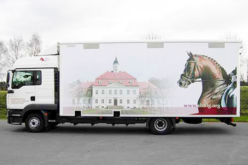 Horse transporter for 6 horses